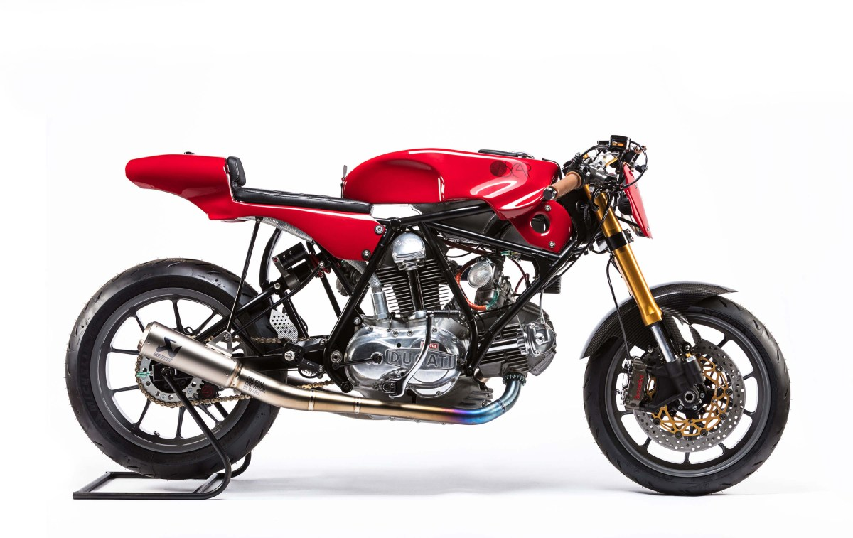 Woolie's Custom Ducati 750 Sport for Alpinestars
